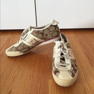 Super cute Coach sneakers!! Size 7.5!!